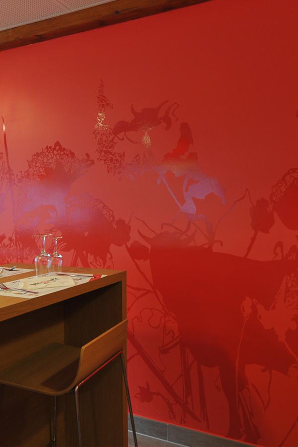 Bistrot Suisse - Design mural semi-mesure - groupe Accor