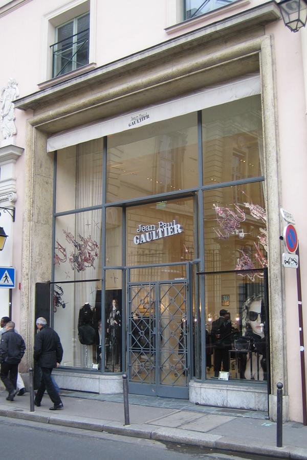 Jean-Paul Gaultier - Design mural sur-mesure - Vitrophanie